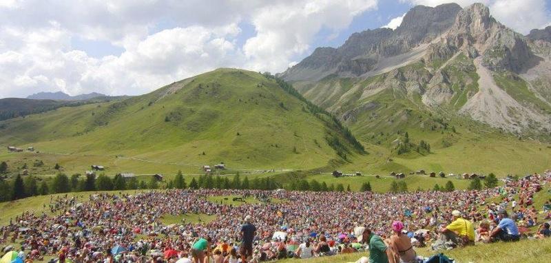 Suoni delle Dolomiti a Fuciade sopra Passo S. Pellegrino (foto momo)