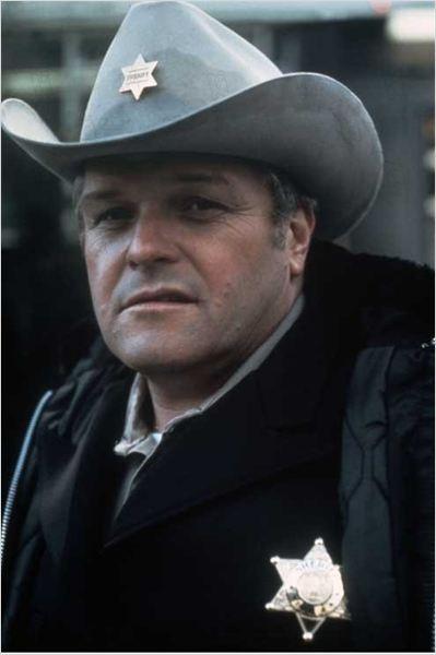 """Lo sceriffo rude e arrogante nel film """"Rambo"""""""